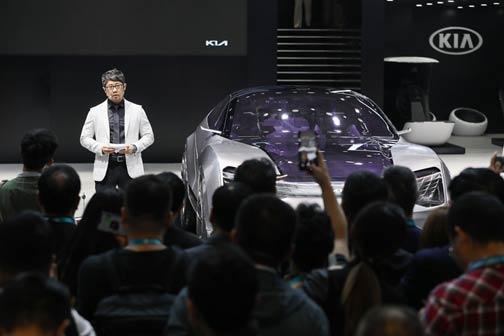 深耕中国市场 引领品牌全球转型 起亚汽车初登进博会秀未来之光