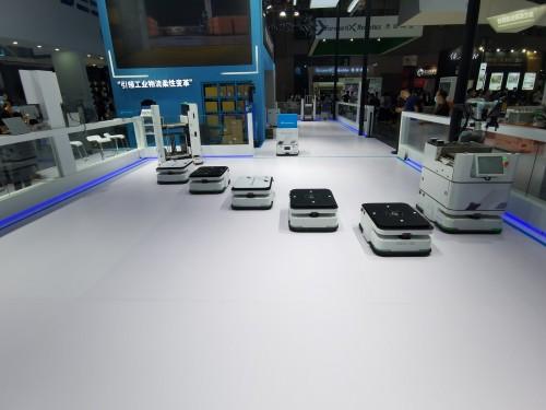 斯坦德机器人携新品亮相2020工博会并与高工研究发布行业蓝皮书