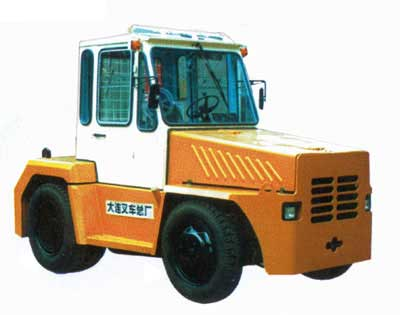 牵引车,内燃液力牵引车