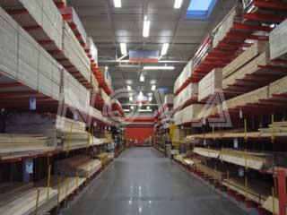 悬臂式货架/悬臂长度在1.5米以内,每臂载重通常在500kg以内